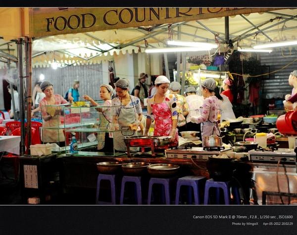 越南胡志明市美食街:Ben Thanh美场广场