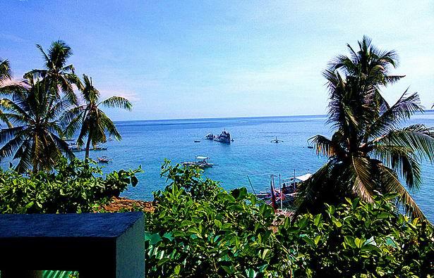 杜马盖地旅游景点:APO阿波岛
