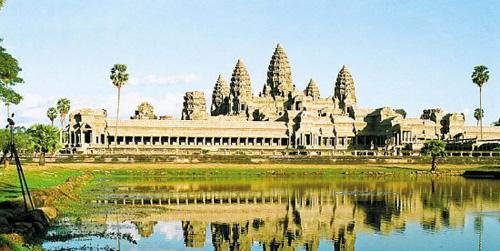 12月去哪里旅游 欢乐柬埔寨同度送水节