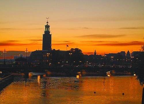 北欧文化之旅:热爱拥抱的瑞典人