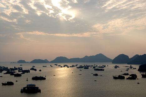 在下龙湾周边发现越南美景