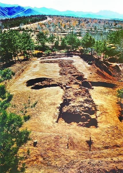 考古之旅:走进牛河梁 穿越五千年