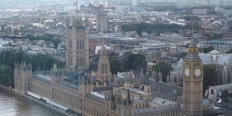 """乘观景摩天轮""""伦敦眼"""" 赏英格兰美景"""