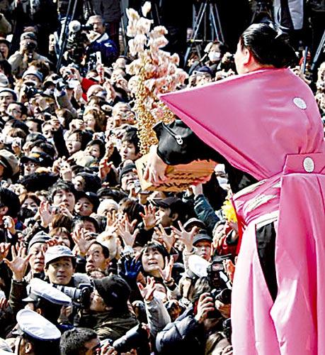 日本人过节撒豆驱邪 豆子代表可爱和诚实