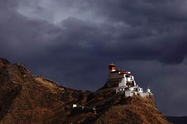 大唐公主遗落的足迹 西藏山南雍布拉康乐虎国际官网