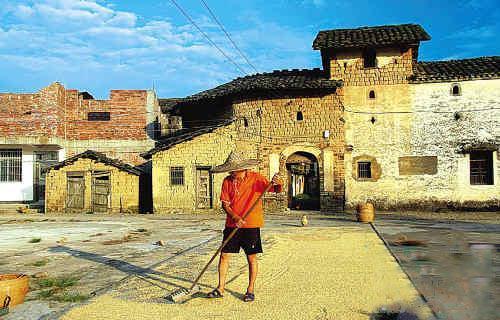 三天穿越数百年 杨村江西南大门第一镇