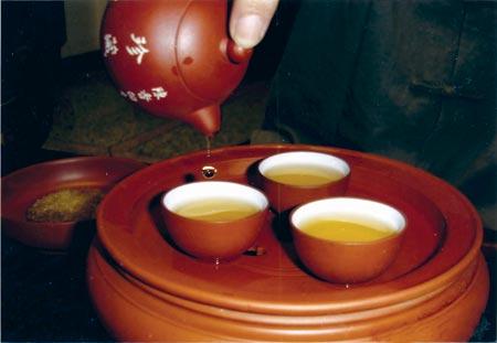 """""""满酒半茶""""满族人的待客之道"""
