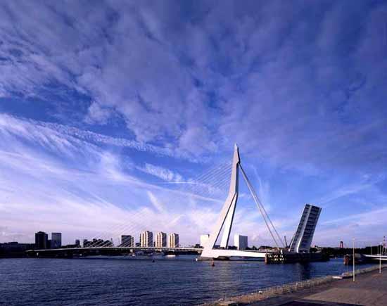 荷兰旅游低碳奢华之旅