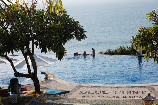 【心动巴厘岛】乌布皇宫、蜜月湾、海龟岛、努沙杜瓦+金巴兰海滩、下午茶双飞6日游