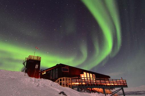 北极光天空站
