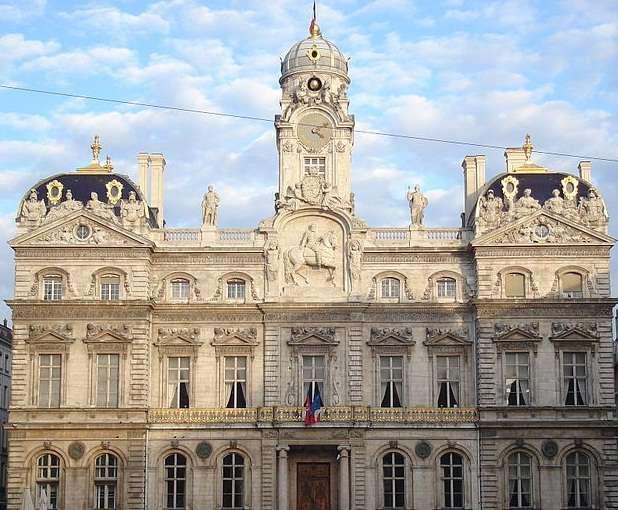 里昂市政厅旅游