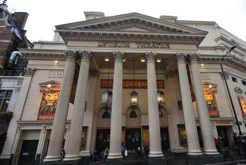 吕克昂剧院旅游