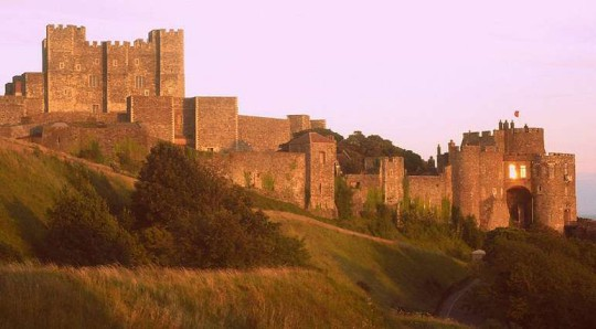 多佛城堡旅游