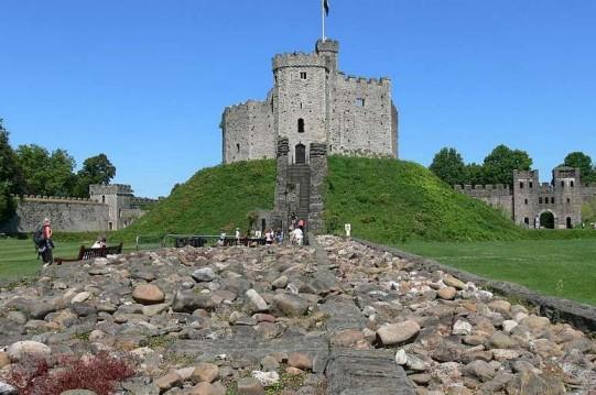 加的夫城堡旅游