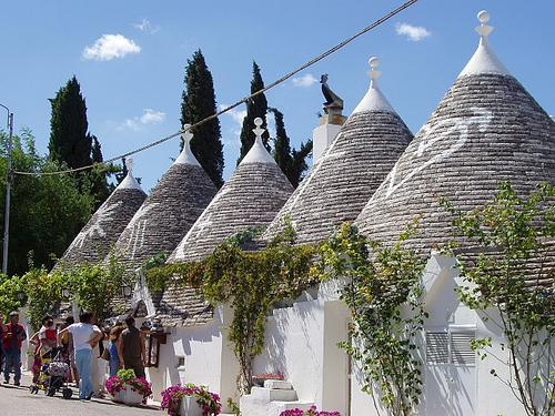 阿尔贝罗贝洛的圆顶石屋