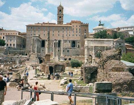 古罗马广场旅游