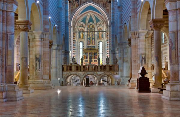 圣泽诺大教堂_维罗纳_意大利