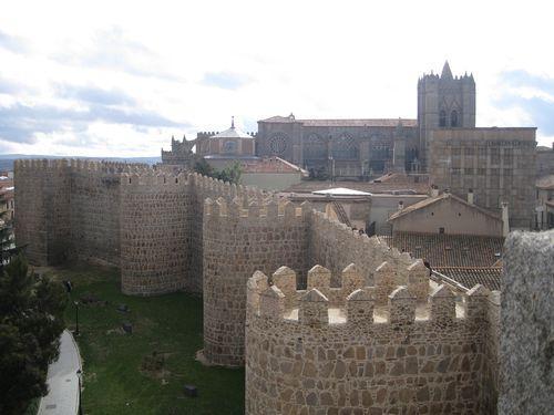 阿维拉古城及城外教堂