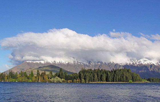 瓦卡蒂普湖旅游