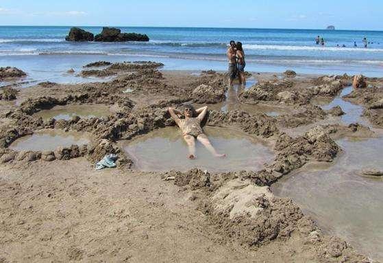 热水海滩旅游