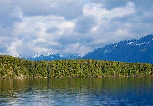 玛纳波里湖旅游