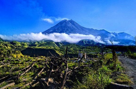 莫拉比火山_日惹_印度尼西亚