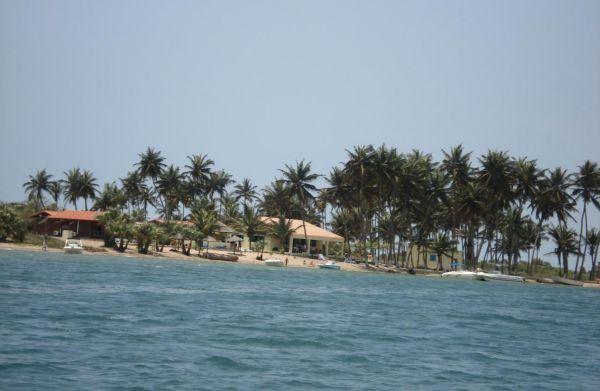 姆苏鲁岛旅游