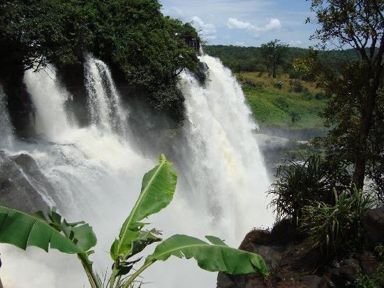 博阿利瀑布旅游