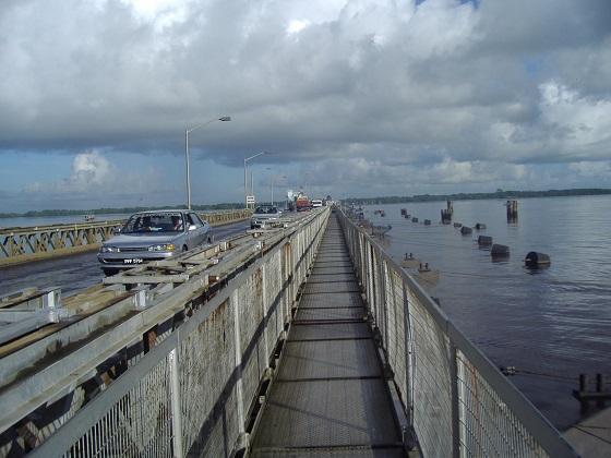 德默拉拉河大浮桥