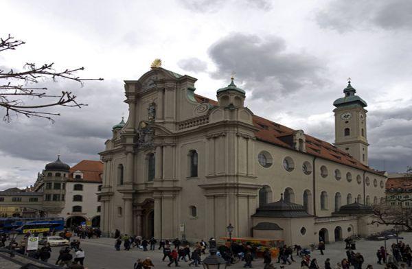 苏黎世圣彼得大教堂_苏黎世_瑞士