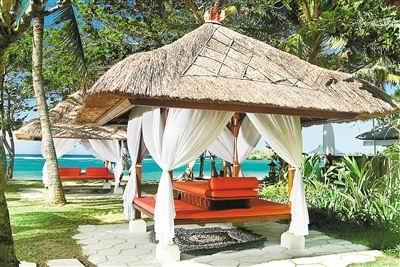【初见巴厘岛】乌布皇宫、小婆罗浮屠塔、海洋之星加勒比海盗船、情人崖、金色兰海滩双飞6日7日游